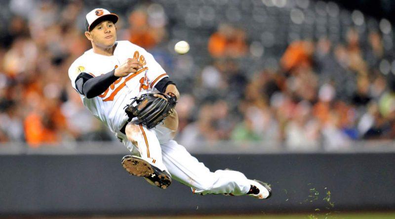 Manny Machado realizando una de sus jugadas espectaculares.