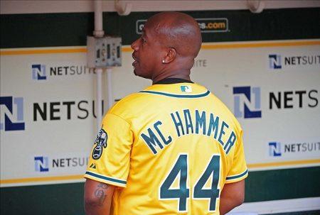 MC Hammer y los Oakland Athletics