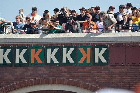 Carteles de strikeout (K) en el AT&T Park en 2012