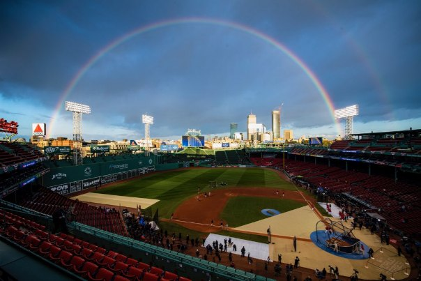 WS game 2: Todo al Rojo Boston Red Sox Los Angeles dodgers World Series 2018 series mundiales mlb Segundo partido fenway park arcoiris