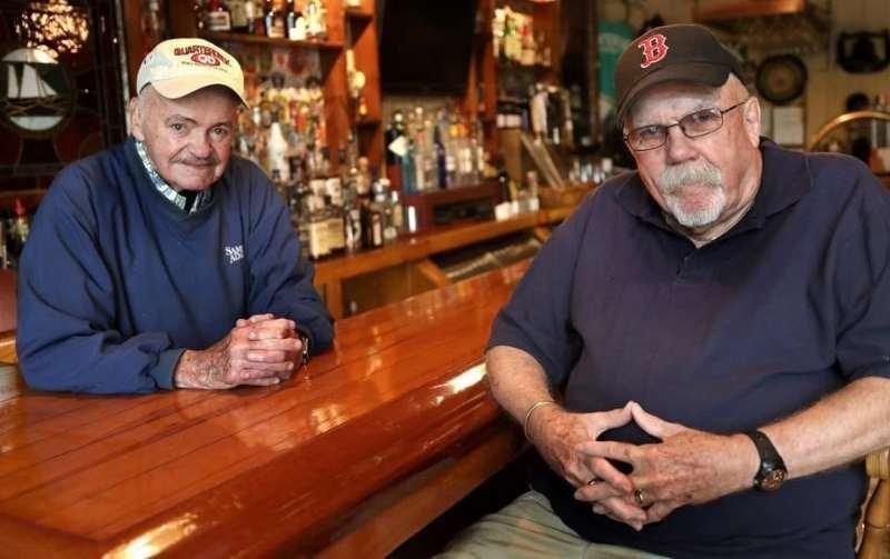 Garitos de béisbol II: El Eliot Lounge beisbol mlb