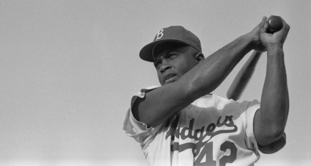 Jackie Robinson, leyenda del béisbol.