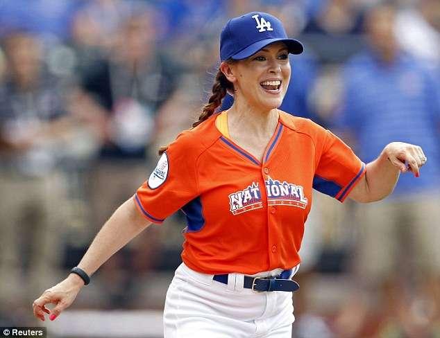 Alyssa Milano (Reuters) frases de béisbol