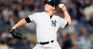 Zach Britton se queda en Nueva York yankees mlb beisbol