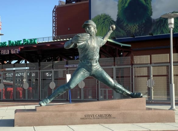 Steve Carlton estatuas mlb en español beisbol