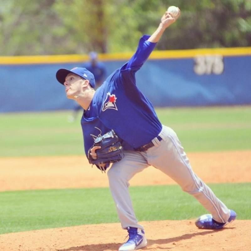 marc civit lanzando mlb en español beisbol