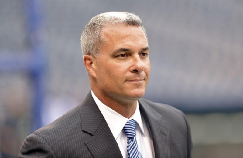 Dayton Moore  El gerente General de los Royals ha hecho interesantes movimientos para hacer más constitutivo en 2021 kansas city royals 2021 mlb en español beisbol