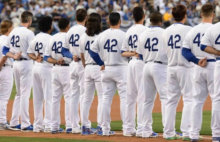 El 15 de abril toda la liga viste el 42 en honor a Jackie Robinson.