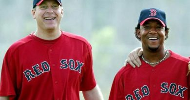 Curt Schilling y Pedro Martínez en los Boston Red Sox los 100 mejores jugadores de beisbol
