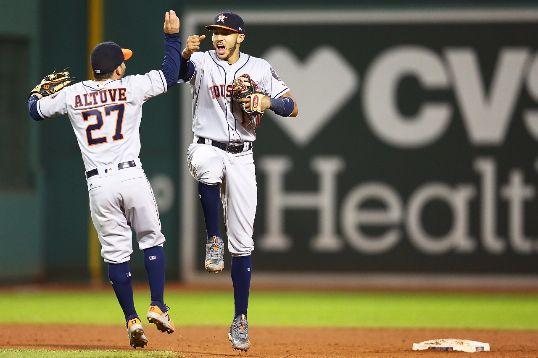 Altuve y Correa celebran en las Series Divisionales los houston astros no fallan ante los Red Sox