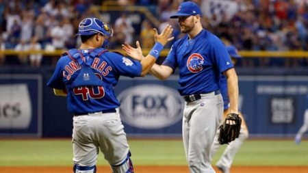 WADE DAVIS, CLOSER CHICAGO CUBS CON CONTRERAS chicago cubs 2017