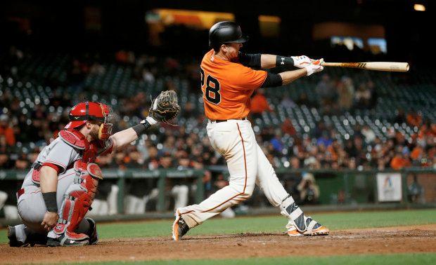 Buster Posey demostro que el poder con el bate no habia desaparecido en este 2017 San Francisco Giants: Resumen 2017 (II)