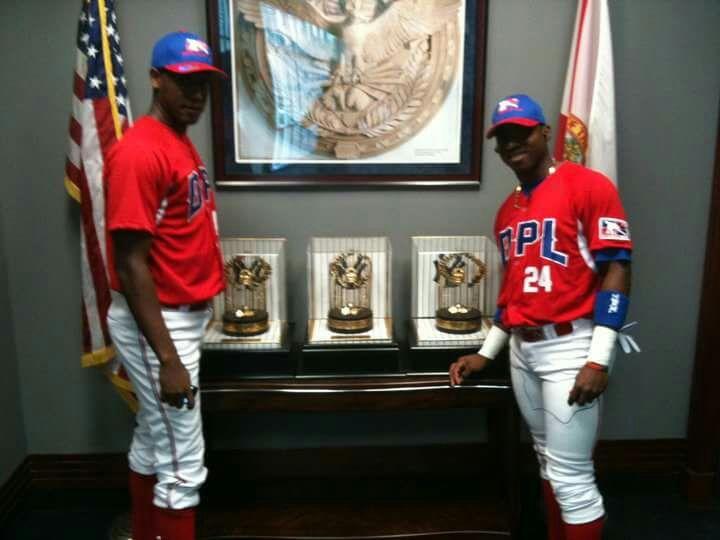 Jefry Martes de visita en Estados Unidos con la Academia de Dominicana, él es el de la izquierda (Foto propiedad de Jefry Martes)