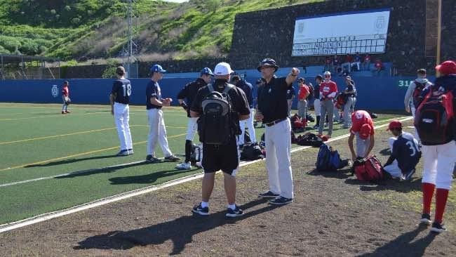 II Torneo de Béisbol. Winter League Tenerife Troy Williams, scout de los New York Yankees (Foto de Tenerife Marlins Puerto Cruz)