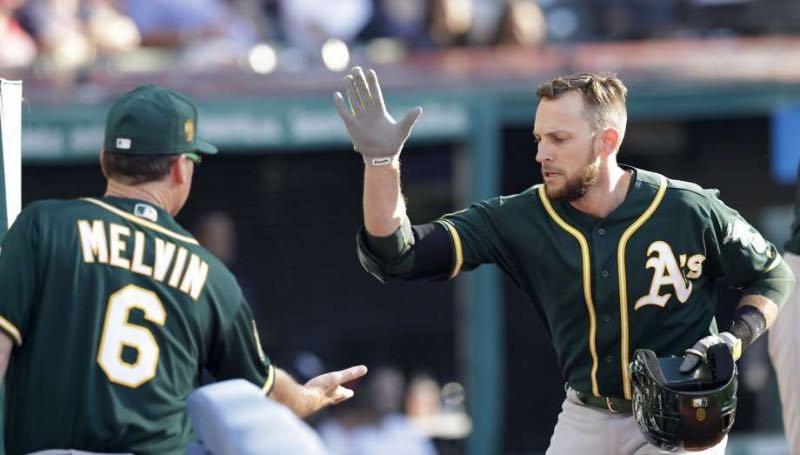Jed Lowrie llega a Nueva York tras un 2018 excelente en Oakland / Associated Press