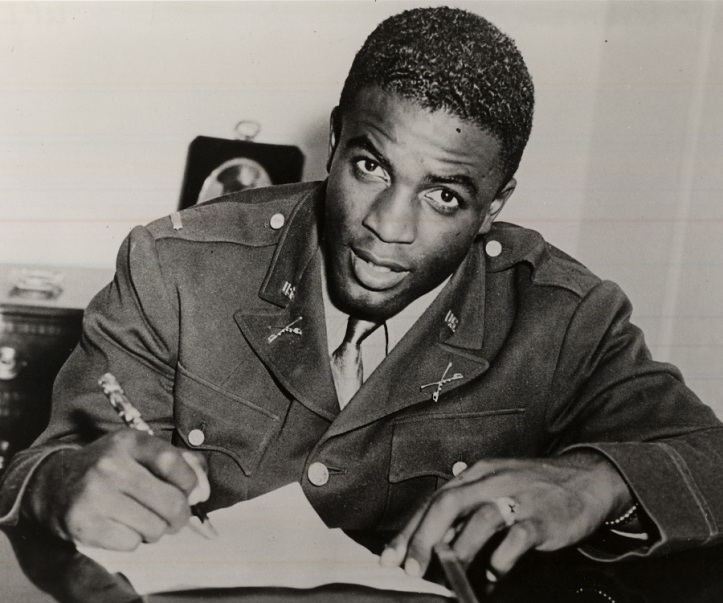 Jackie Robinson, de joven, en el ejército.