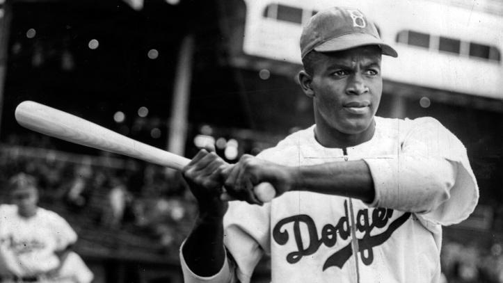 Jackie Robinson fue el primer jugador negro de las grandes ligas.