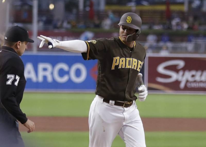 manny machado San Diego Padres 2021 mlb en español beisbol
