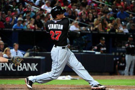 stanton bateando un home run Sabermetrics, estadísticas ofensivas tradicionales